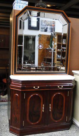 Consola em madeira com tampo em pedra e grande espelho