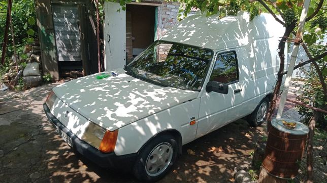 Продам машину Таврия-Пикап