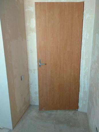 Двери бывшие в употреблении