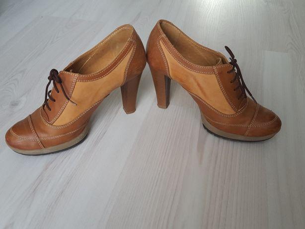Włoskie buty botki skóra obcas 38 jak nowe na obcasie brąz skórzane