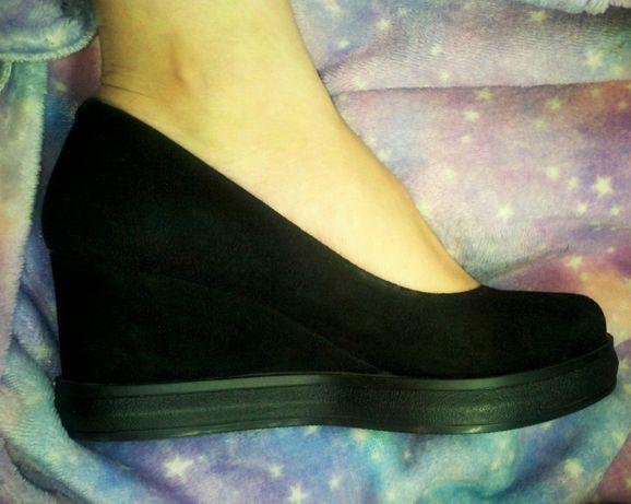 Туфли замшевые на платформе/танкетке,натуральная замша, кожаная стельк