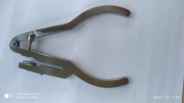 TW4-280 Щипцы пробойник Ivor +Щипцы для установления кламера .