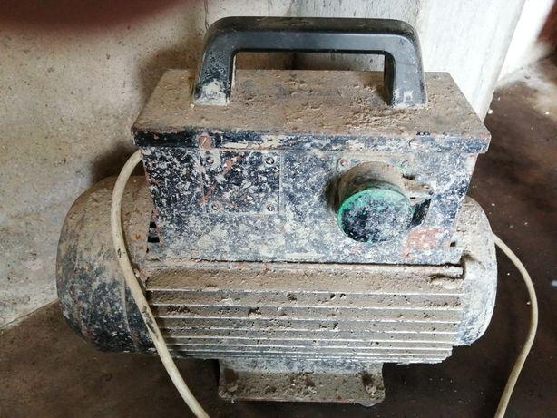 Motor usado na construção civil