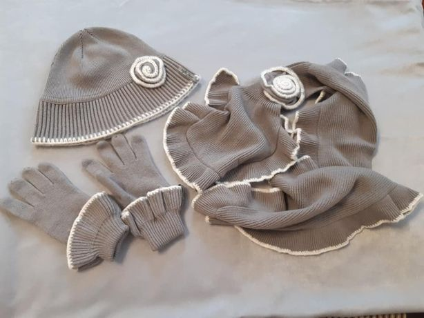 Комплект- тройка Caps free: шапка, шарф и перчатки