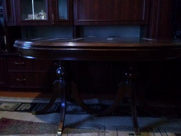 Продам стіл і стільці.