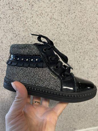 Ботинки на девочку Bartek