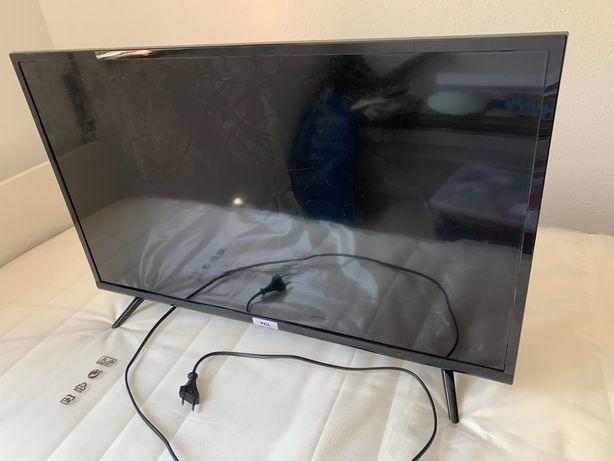 """2 Televisores 32"""" polegadas (1 smart tv)"""
