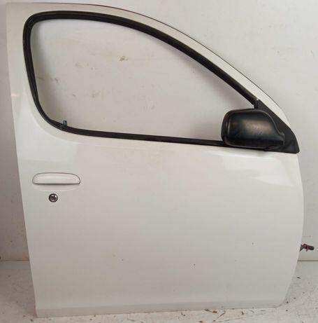 Toyota Yaris Verso Drzwi Prawy Przód Prawe Przednie Lakier 040