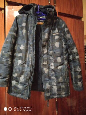 Курточка зимова.