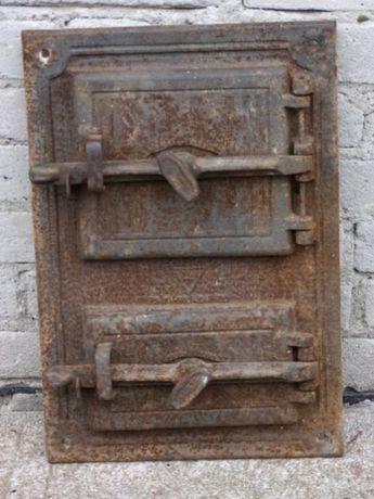 Stare żeliwne drzwiczki piec, wędzarnia