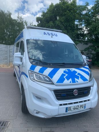Karetka Ambulans Ambulance Fiat Ducato kamper camping Okazja