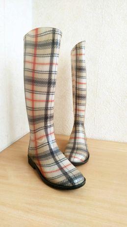 высокие резиновые сапоги в стиле Burberry високі гумові чоботи sandro
