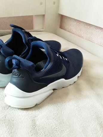 Кросовки Nike 38.5