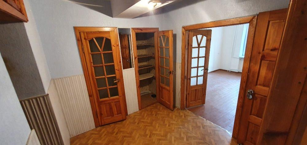 Продам 3 кімнатну квартиру 64.3 кв.м Броди - зображення 1