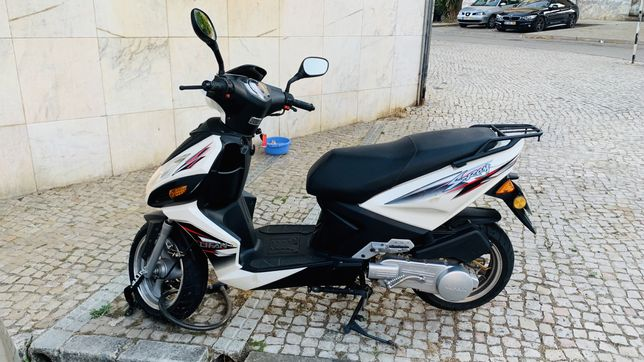 Scooter lifan 125