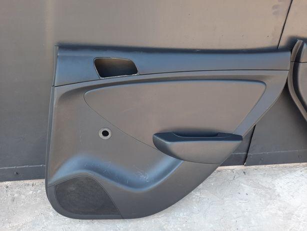 продам карты дверей задние Hyundai Accent 2011год-2014год