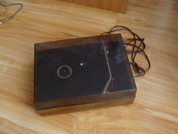Ciekawy gramofon z kolekcji Vintage CZ400 (Universum Quelle ?)