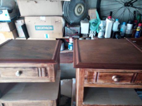 Mesas de cabeceira antigas