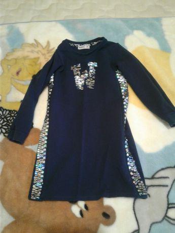 Платье туника для девочки, в отличном состоянии,замеры предосталю