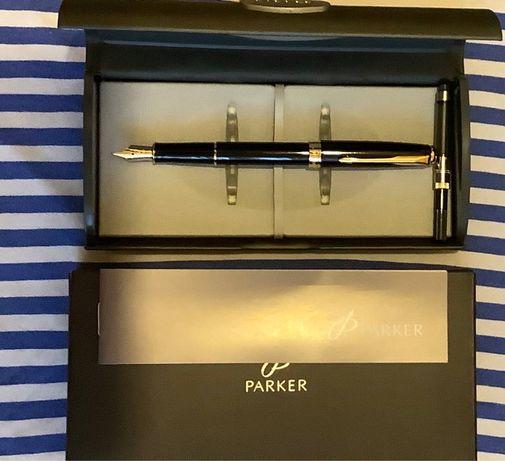 Новая ручка Parker sonet оригинал с позолоченным Полный комплект.