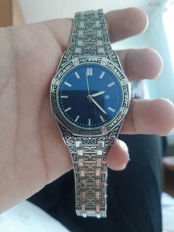 Продаются часы красивые с турции