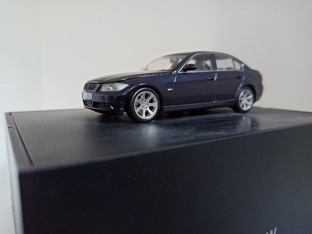Model BMW e90 Minichamps 1:43