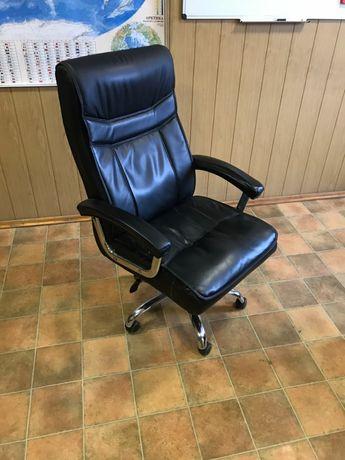 Кожаное кресло, шкіряне офісне крісло