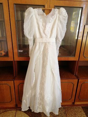СРОЧНО!! Продам свадебное платье р.44-46. 500грн