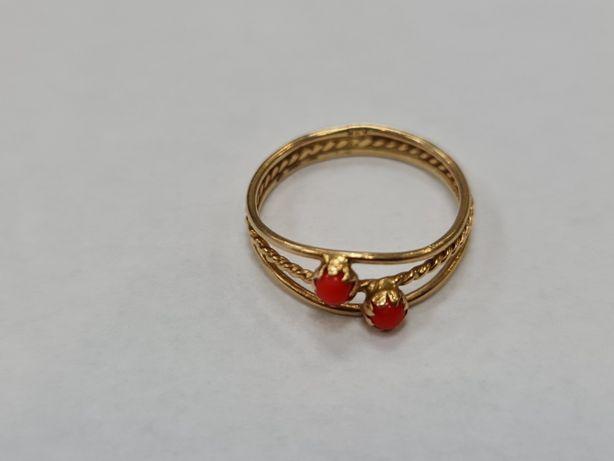 Koral! Wyjątkowy złoty pierścionek damski/ 750/ 2.13 gram/ R14
