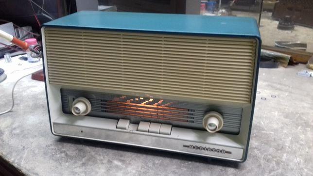 Rádio a Válvulas Mediator