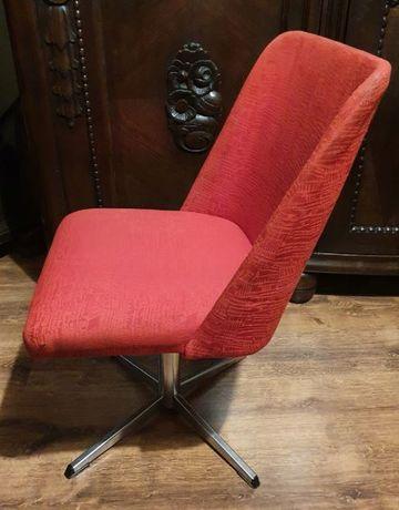 Fotel do biurka dla młodej damy