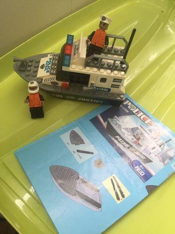 Корабль Лего конструктор 200 р все в комплекте