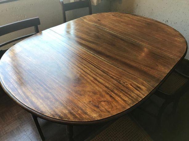 Mesa de madeira com abas | sala de jantar - muito bonita
