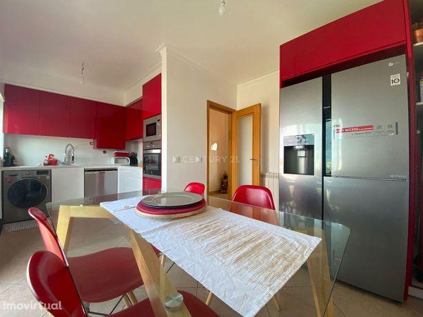 Apartamento T2 com garagem e VISTA MAR na Figueira da Foz