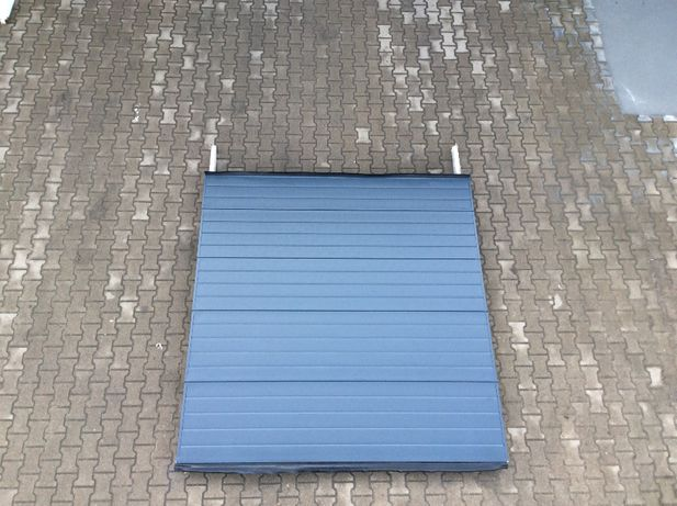 Brama panelowa segmentowa przemysłowa garażowa 250 x 260