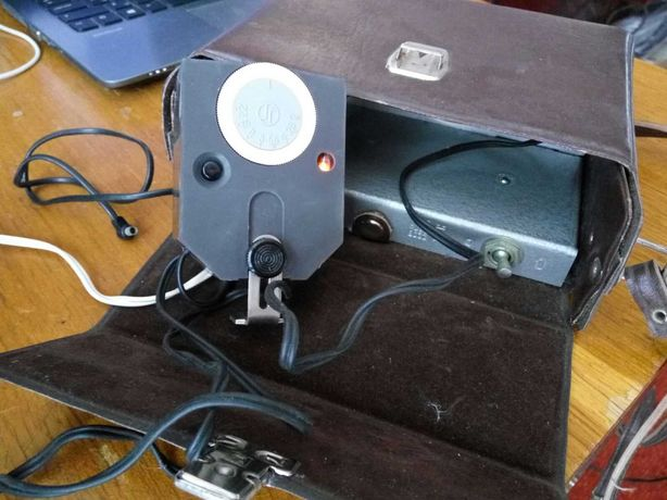 Фотовспышка Чайка, работает от сети и аккумуляторов
