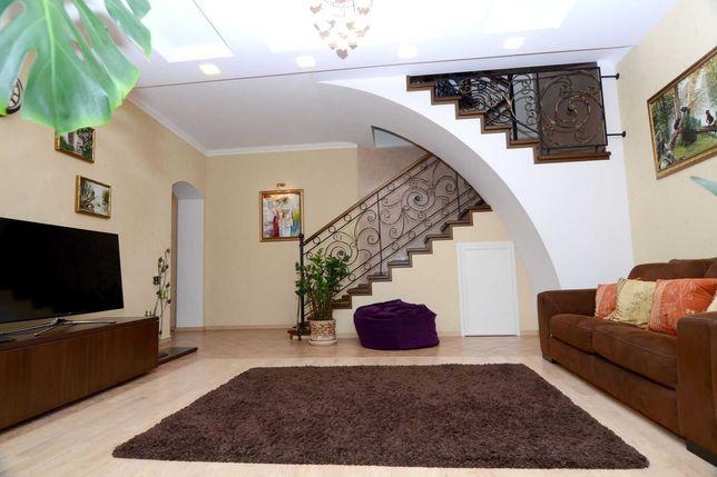 Продам квартиру в ЖК Подкова, 2 уровня с ремонтом. И хорошим видом.