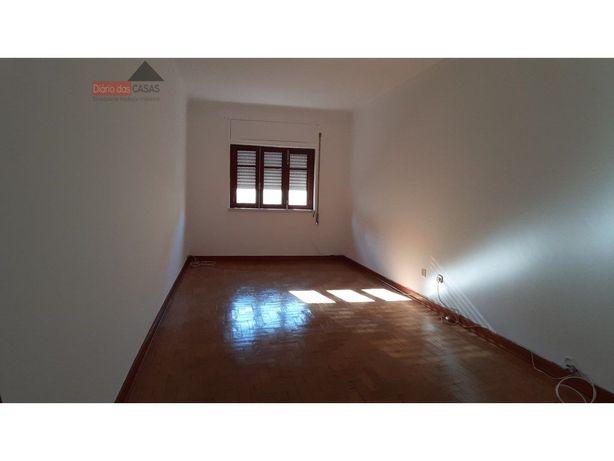 Prédio com 6 apartamentos T2+1 Malheiros a 2 mnts da Solum