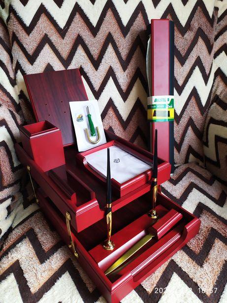 Офисный набор Bestar 8 предметов 8259 XDU. Красное дерево