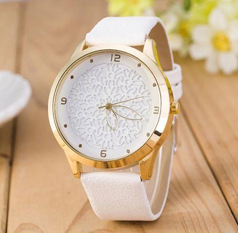 Часы женские новые на подарочек.
