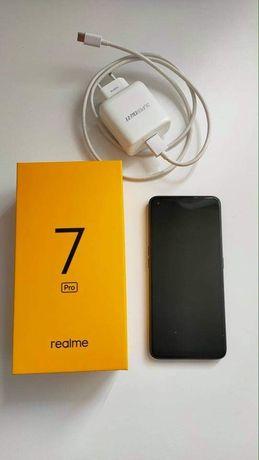 Smartfon Realmy 7 Pro, stan idealny