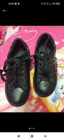 Туфельки черного цвета