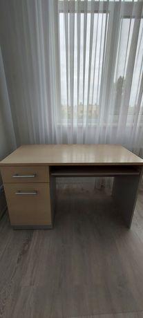 Продаю письменный стол.