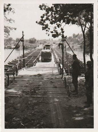 Stare zdjęcia Wehrmacht przeprawa przez Bug
