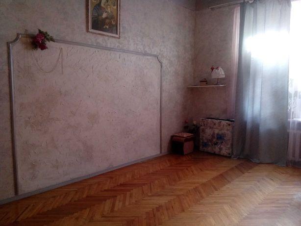 Терміново  Власник 1-кімнатна, 37+3,5м.кв. на вул. М.Вовчка з ремонтом