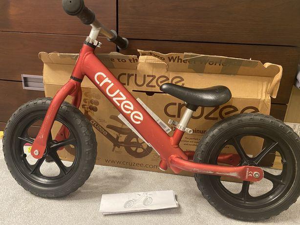Cruzee rowerek biegowy stan bardzo dobry