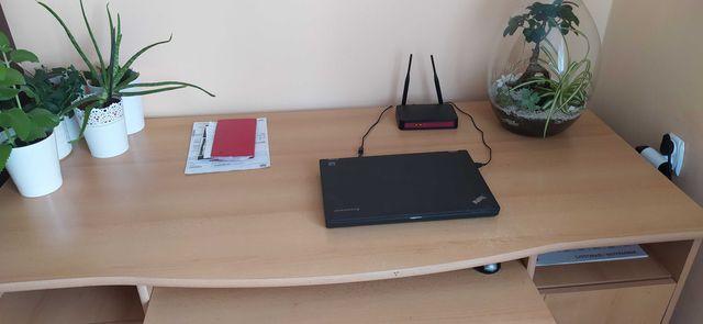 Biuro jasne drewno