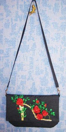 Джинсовая сумочка, вышитая лентами, ручная работа