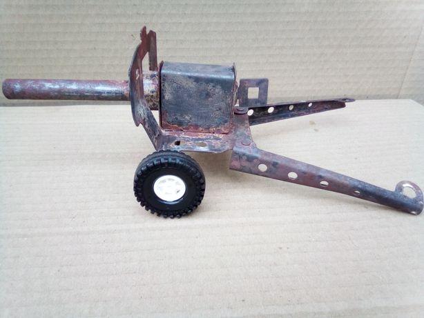 Іграшкова пушка в колекцію