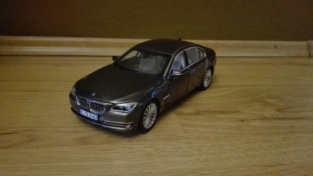 Samochód kolekcjonerski BMW 750Li skala 1:18 Kyosho
